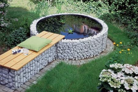 Оригинальный бассейн на участке