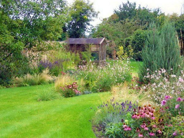 Природный стиль в саду